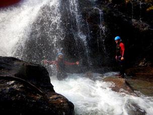 canyoning wasser wasserfall abseilen springen rutschen fankysport