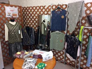 手編みニット・衣料品コーナー