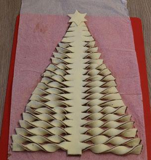 Tannenbaum-Blätterteig-Gebäck