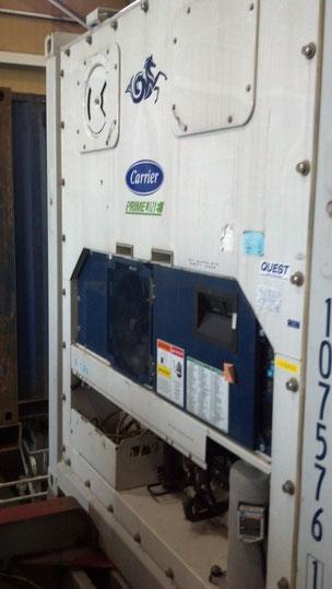 リーファーコンテナ前面にある温度管理パネル