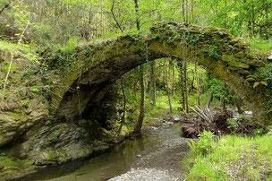 Pont en pierres de schiste Cevennes - LOZERE Photo © Nadine Vilas