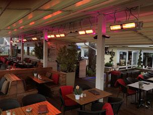 Ganzjahres-Terrasse mit Wärmestrahlern und Decken