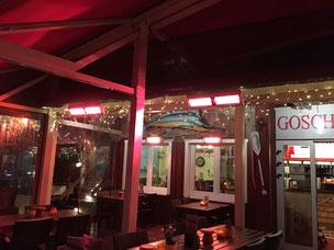 Beheizte Terrasse an Fischrestaurant an der Nordsee