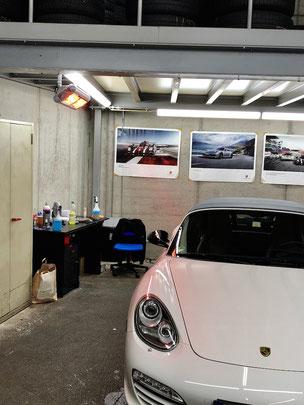 Heizstrahler für Mitarbeiter der Fahrzeugaufbereitung