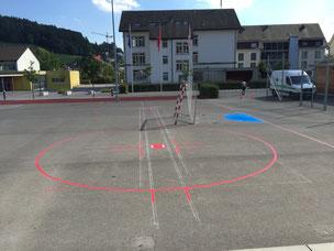 Sportplatzmarkierungen, Markieren von Fussballfeldern, Pausenplatz Markierungen, Spielfelder, Spielplätze