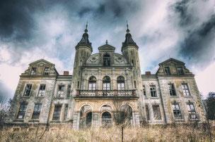 Castle M.