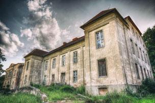 Castle T.