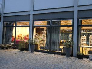 Das Medienhaus Marienfelde strahlt mit neuer Beleuchtung.