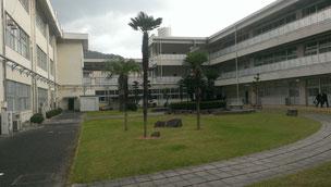 井原高校中庭