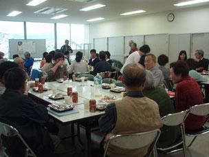 6棟集会所で昼食会&懇親会