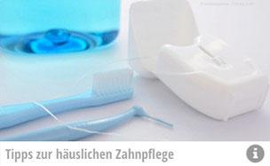 Wir reinigen nicht nur Ihre Zähne. Das Prophylaxe-Team der Zahnarztpraxis Loebel in Schwerin gibt Ihnen auch Tipps für die Mundpflege zu Hause! (© emiekayama - Fotolia.com)