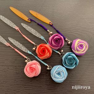 丸バラの根付 つまみ細工nijiiroya