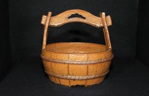 信楽・鉄釉手桶花器(径21Cmx22Cm)