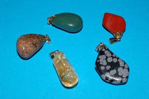Jaspe ; Aventurine ; Jaspe ; Calcite Miel ; Obsidienne