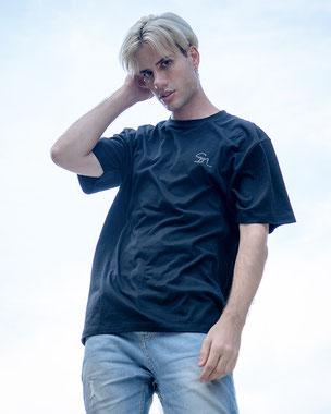 Sm . T-shirt