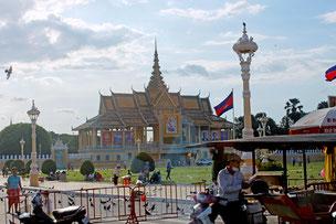 プノンペンの中心に位置する王宮