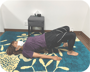 腰痛予防の背筋運動