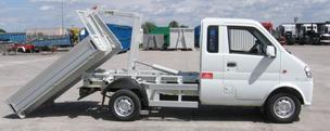 Transporter Abroll-Kipper