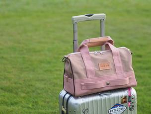 帆布のボストンバッグ Carry-On