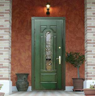 Входные двери со стеклом в Можайске.