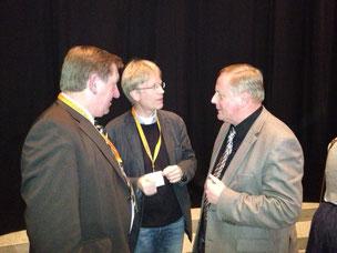 Werner Kalinka und Andreas Ellendt (Mitte) fordern schon in Schleswig eine umfassende Wahlanalyse (links: Werner Weiss)