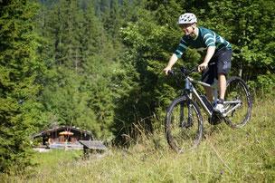 Testen Sie das Fahrgefühl auf einem e-Mountainbike bei einer Probefahrt in Sankt Wendel