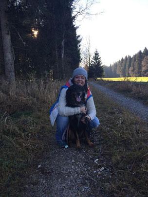 Rambo durfte zu Dagmar und Alexander und ihren anderen Hunden ziehen