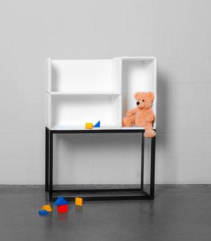 Smartes Möbel Drigital: Ein Metallgestell, drei MDF Boxen, über dreissig Varianten - ohne Werkzeug, einfach ineinander stecken
