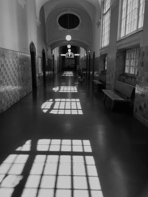 Gerichtsflur im Kriminalgericht Moabit