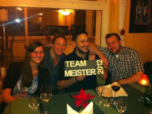 Meisterteam mit Trophäe: Team Grischa 1