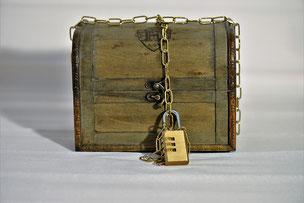 verschlossene Kiste
