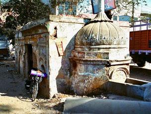 ein alter Hndu-Tempel - mein Startplatz