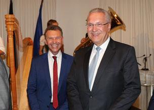 BR-Moderator Roman Roell mit Staatsminister Joachim Herrmann