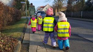 Mehr Sicherheit mit Kleinkind-U3-Warnwesten