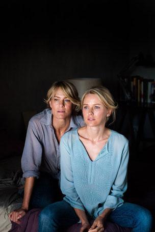 Robin Wright et Naomi Watts, amies d'enfance et maîtresses du fils de l'autre (©Gaumont Distribution)