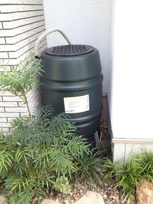 雨水タンク あると水やりの水を節水できます