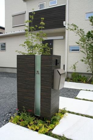 エバーアートウッドを使用して作成した門塀