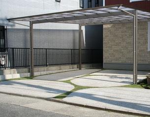 車庫は直線でなくR曲線を用いてデザイン