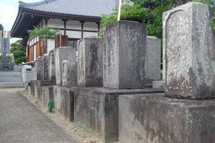 埼玉県行田市桃林寺鳥居家墓所