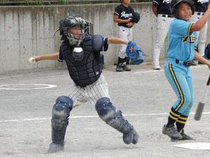 盗塁を刺したり、キャッチャーフライを2つも捕ったり大活躍でした。