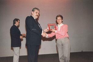 Direttrice Isabella Pellegrini e il Sindaco Pietro del Torchio [1986]