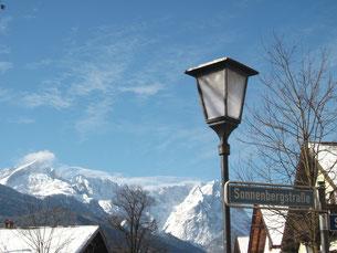Das Team der Zahnarztpraxis Berthold Pilsl in Garmisch-Partenkirchen - Wir sind für Sie da