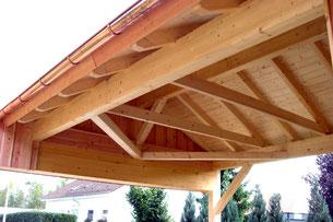 Blickfang: die offene Dachkonstruktion