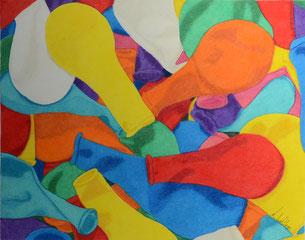Dessin crayons de couleur gros plan ballons non gonflés.