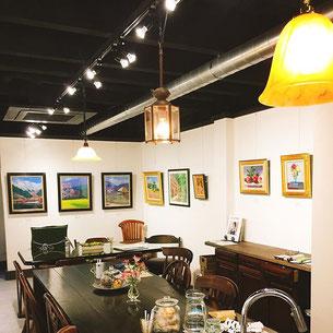 画廊カフェ リトルギャラリー 店内風景 | 住吉区長居・鶴ケ丘の画廊カフェ