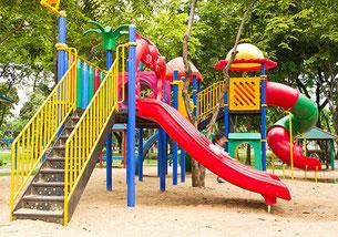 Prüfung von Spielplätzen und Spielplatzgeräten