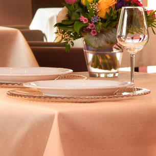 Table linen for gastronomy