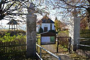 Bild: Wünschendorf Friedhof mit Kapelle