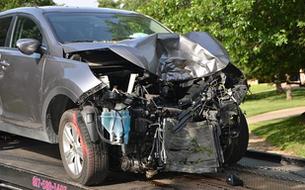 事故を起こさない事にこしたことはないが、いざと言う時に助けてくれるのが自動車保険だ。