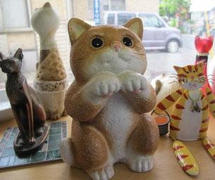 信楽焼きのネコ陶器